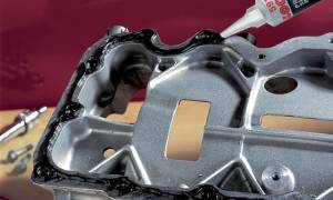 Как правильно наносить герметик на поддон двигателя?